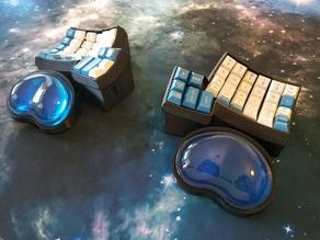 Dactyl extended bottom case with gel wrist rests