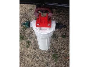 Water filter mount