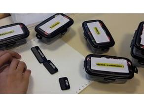 français : jeu de mots braille et caractères agrandis lasercut