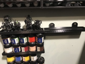 Hanging shelve for up to 40mm miniatures