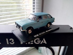 Deagostini car model stand (Izh Kombi 21251)