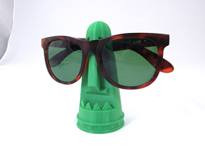 Tiki Sunglass Holder