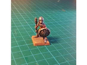 Soldier/Knight with mace 28mm (NO SUPPORTS)