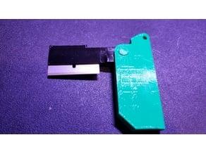 Razor blade holder