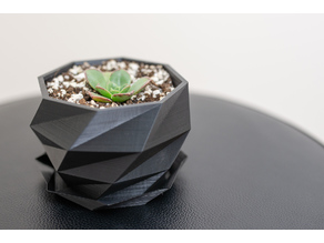 Low Poly Planter with Drain and Saucer