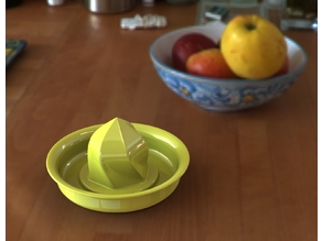 Zitronenpresse / citrus press