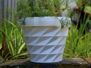 Triangulated Flower Pot
