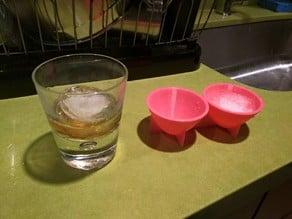Parabolic ice cube tray