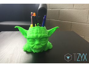 pot à crayons / pen holder starwars Yoda