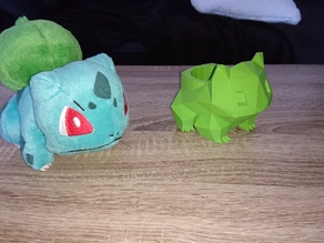 Low Poly Bulbasaur Planter raised pot