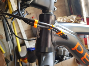 Montain bike cables clips