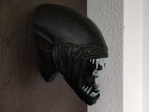Alien Head Wall Hanger ( The mouth is smaller )