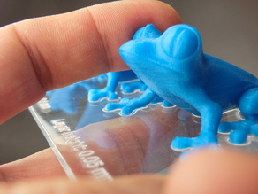 MakerBot Replicator 2 - PLA blue frogs - Layer thickness comparison plate
