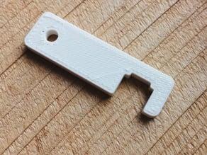 iPhone 4/4S keychain kickstand