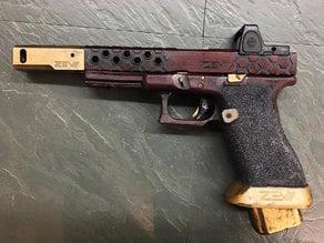 Deadshot Style Glock17 ZEV Prop