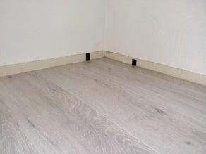 Floor spacers for parquet or laminate