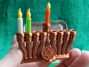 Micro Pocket Menorah and Toy Candles (Altoids Ready)