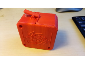 BeyBlade carrying box with quick release