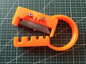 Tube cutter hand tool trapezoid blade