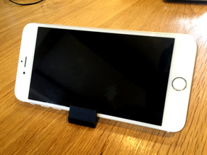 Simple iPhone 6/6Plus Stand