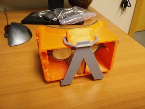 Customizable Phone Clip for VR Headset