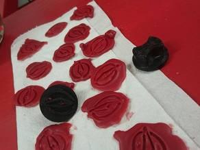 Compass buffer seal wax
