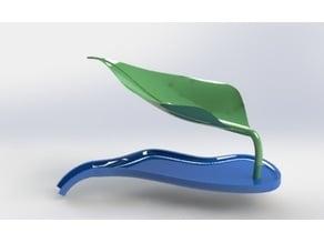 Leaf: self-draining soap dish