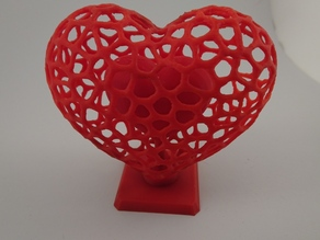 Voronoi Chambered Heart (Medium) with internal supports