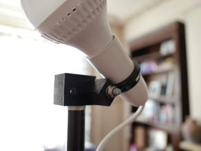 Adjustable lighting stand spigot light bulb holder