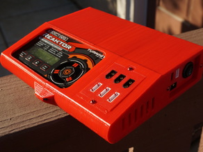 Lipo field charger with  16a internal source battery