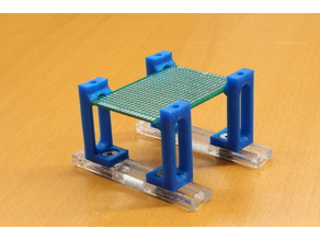 Adjustable PCB Holder / Einstellbarer Platinenhalter