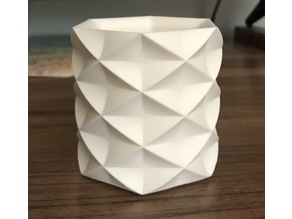 Low Poly Faceted Tumbler Cup
