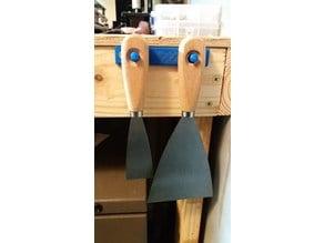 Scraper Hanger