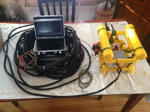 "ROV with Camera and Gripper:  9"" Screen & 100 ft tether"