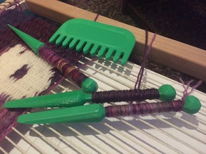 Tapestry tools (Comb and bobbin)