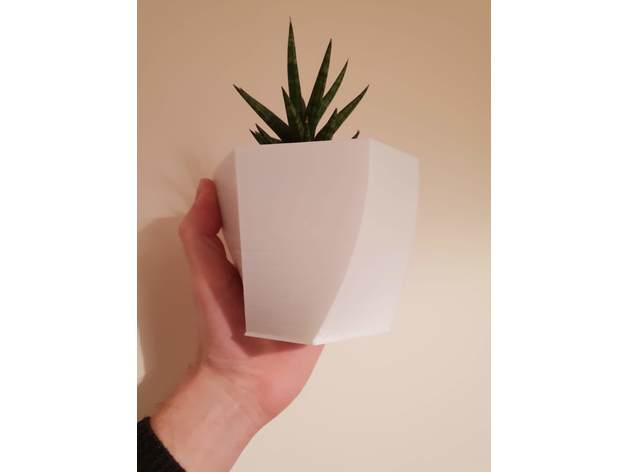 Kronen 65 Flower Pot, White Concrete | Architonic | 472x628