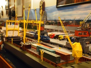 Set of crane lifts for a model cargo ship (H0 scale)