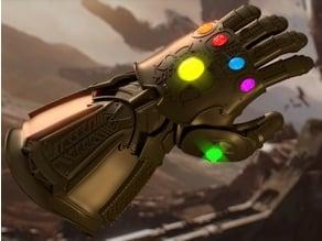 Life-Size Infinity Gauntlet - Avengers: Infinity War