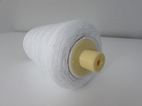Spool adaptor for domestic sewing machines
