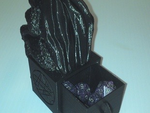 Cthulu Dice Box with Necronomicon Sigl