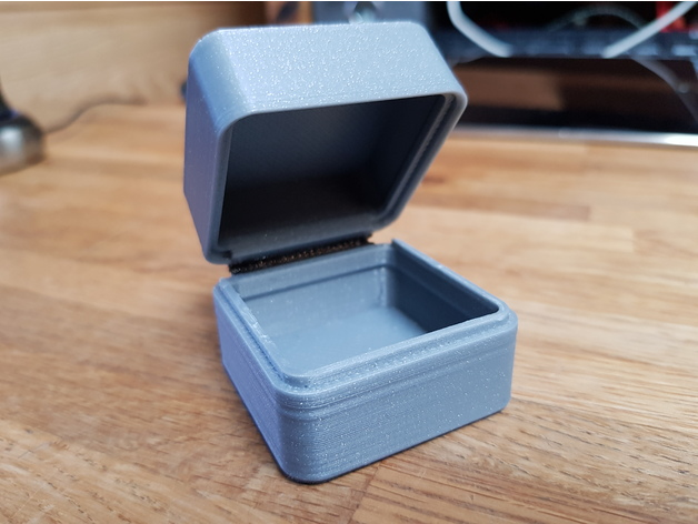 small case with combined living hinge by Jayrobox - Thingiverse