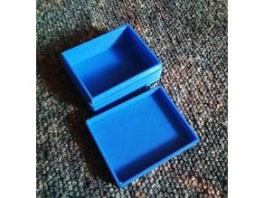 Schachtel zur Aufbewahrung mit steckbaren Deckel (Storage Box with lid)