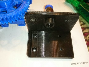 Jak's modification of a Bowden bracket for a Gregs or Wades extruder.