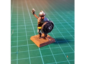 Footsoldier with axe 28mm (NO SUPPORTS)