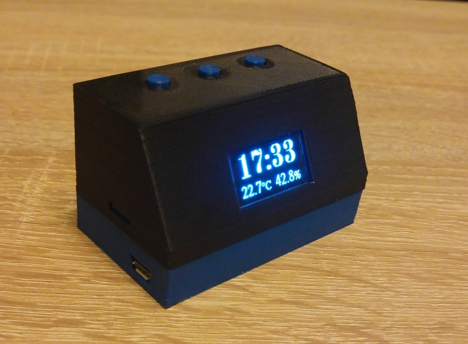 Retro Desktop Temperature Sensor, Clock, Weather Station