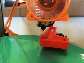 Servo driven nozzle wiper arm for delta printers