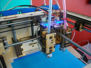 Ultimaker mounts up to 4 extruder 'cassettes'