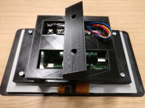 """Angled rig-mount for RPi 7""""screen"""