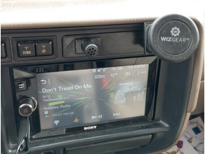 Toyota Land Cruiser FJ80 above radio insert