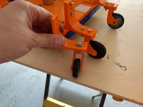 Bigger locked wheels for RC Lawn mower